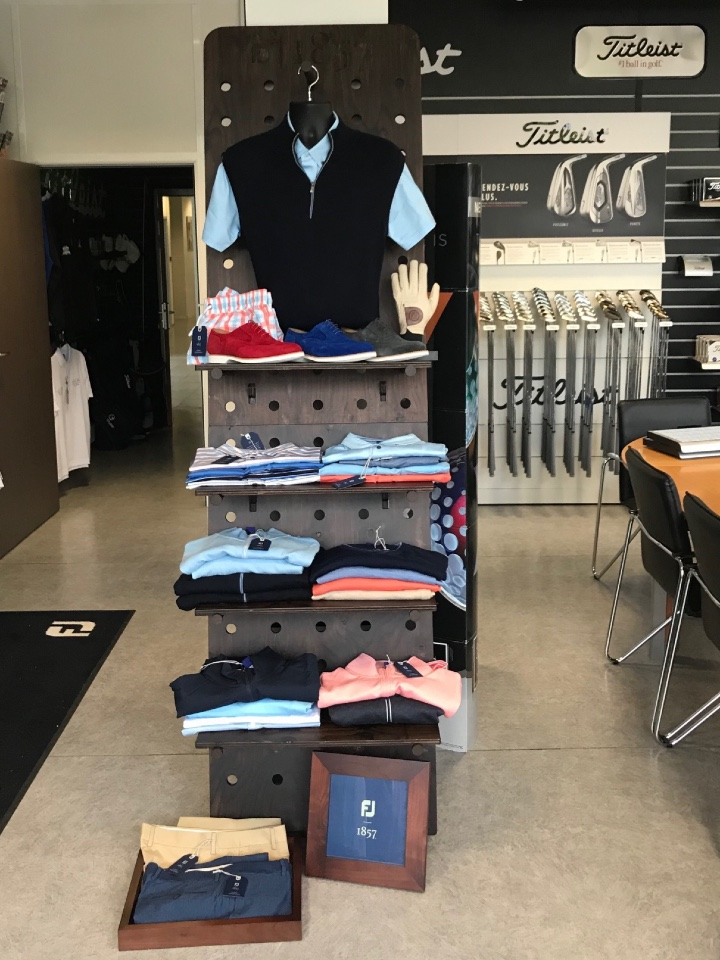 FootJoy golf shoes and textile displays 8