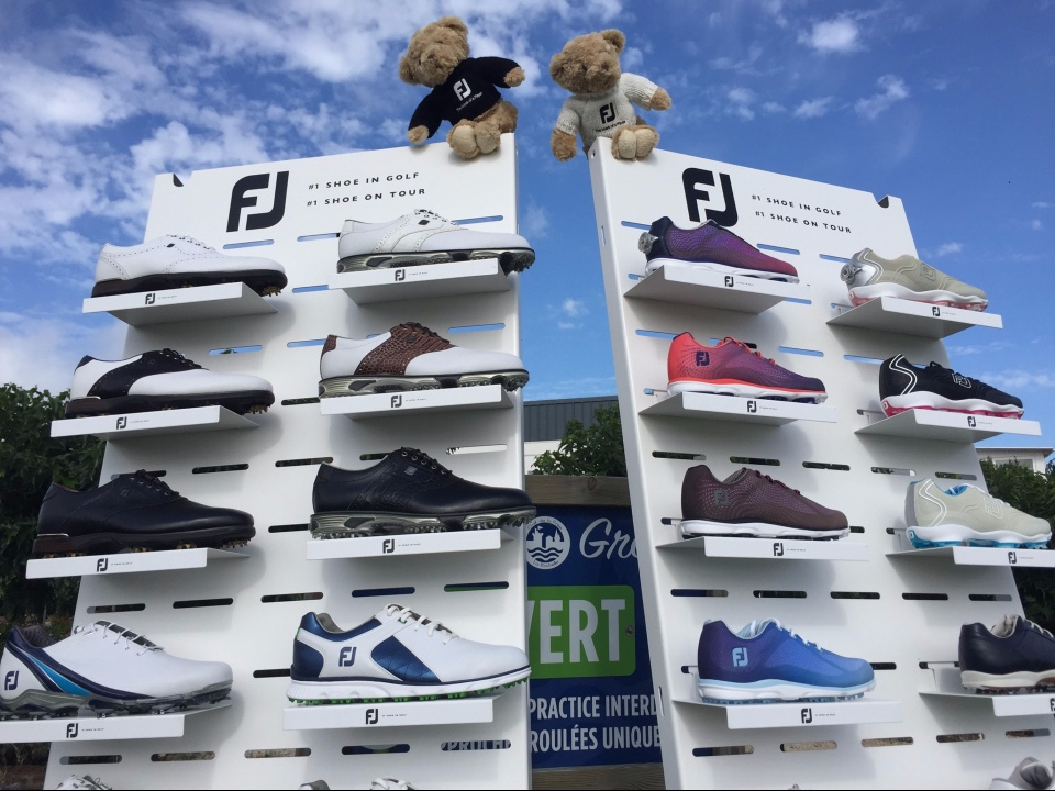 FootJoy golf shoes and textile displays 1