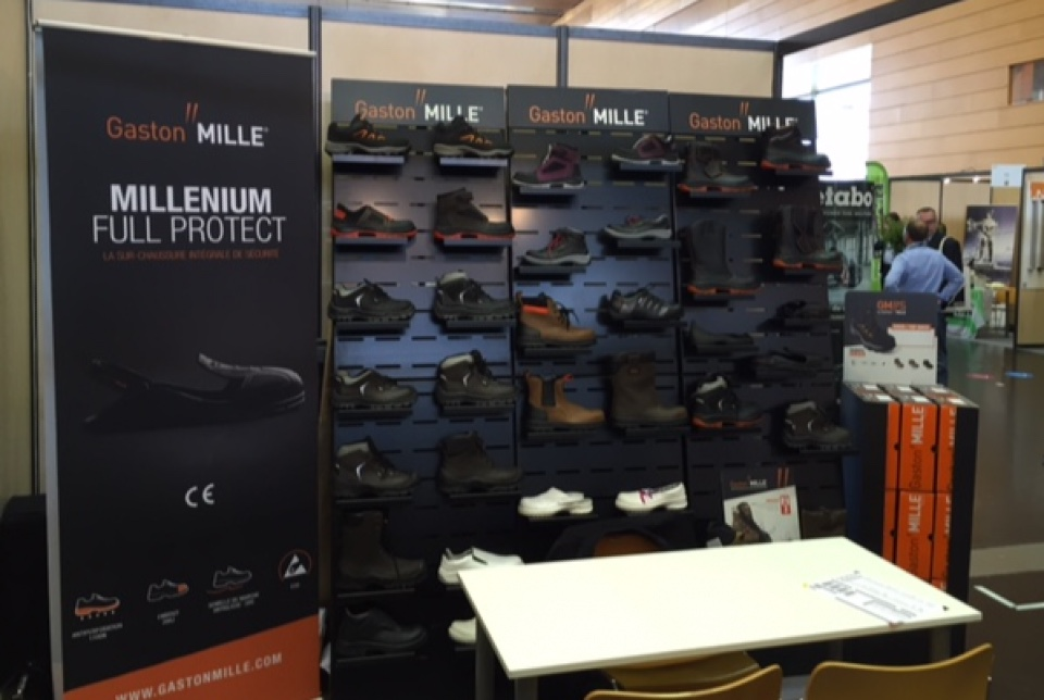 Gaston Mille security shoes displays 1
