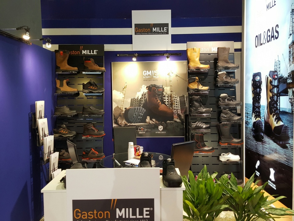 Gaston Mille security shoes displays 2