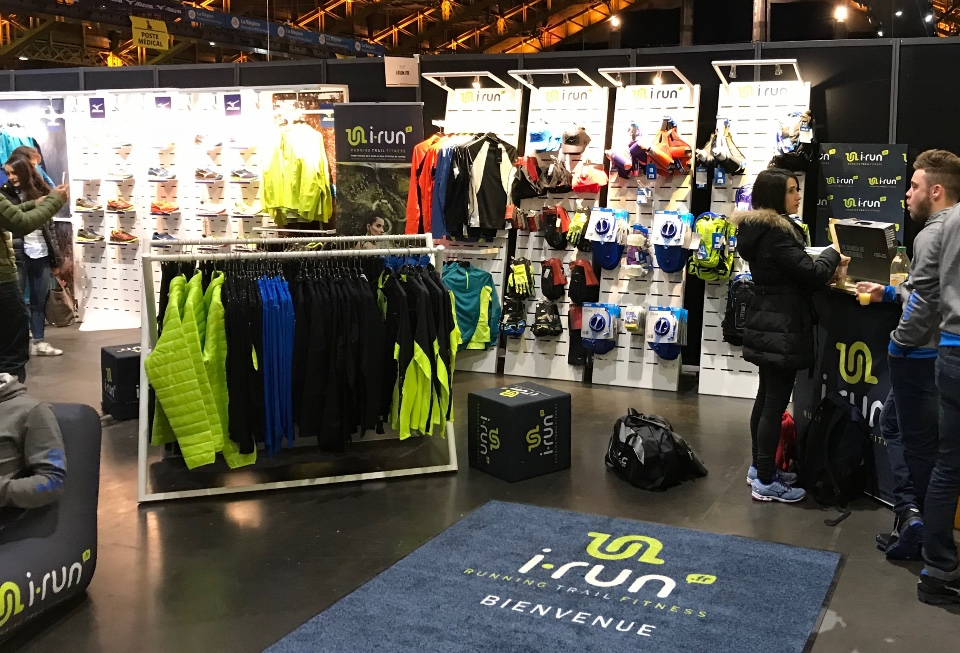 I-Run Shoes textile and accessories displays 5