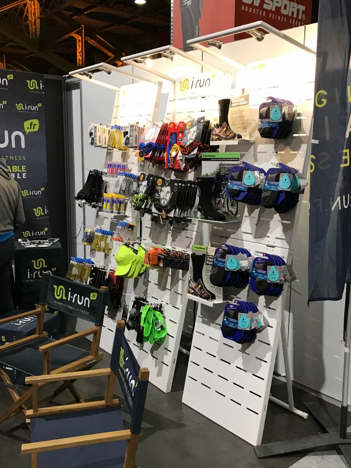I-Run Shoes textile and accessories displays 4