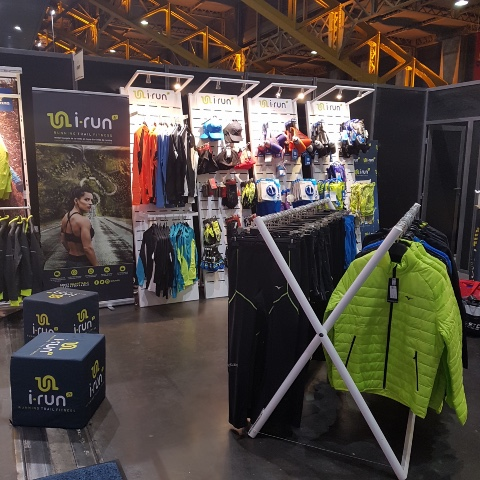 I-Run Shoes textile and accessories displays