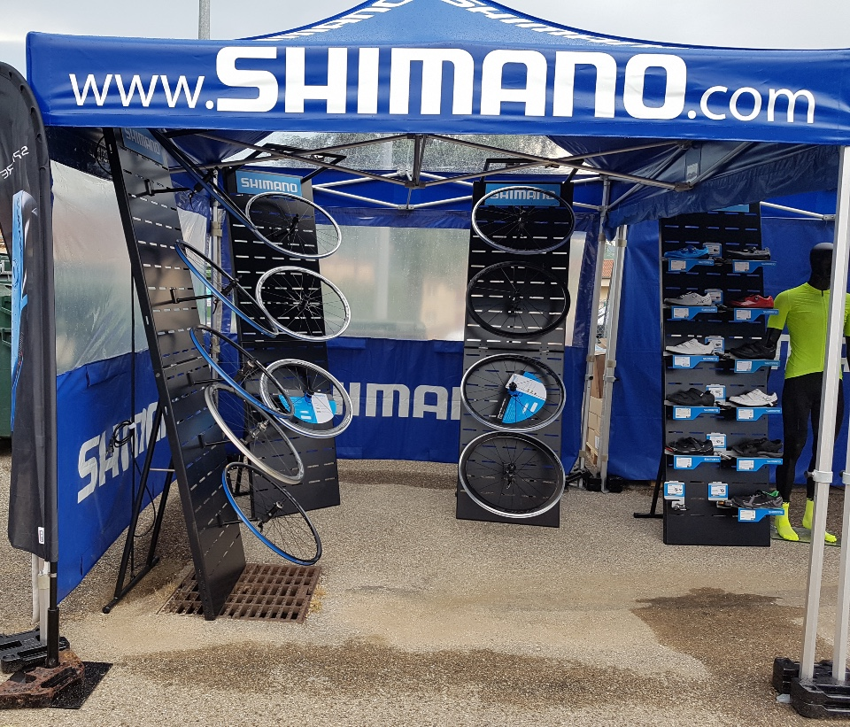 Shimano cycle wheels shoes displays 2