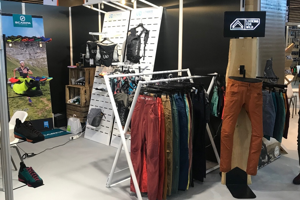 Ultimate Direction textile bags and mountain accessories displays