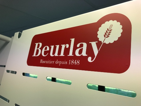 Beurlay cakes displays