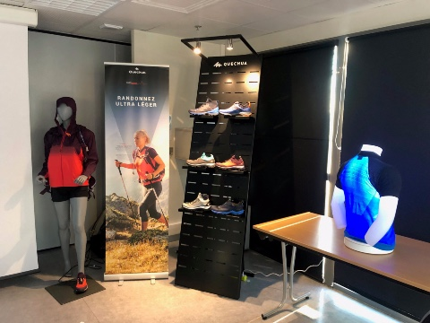 Quechua shoes displays