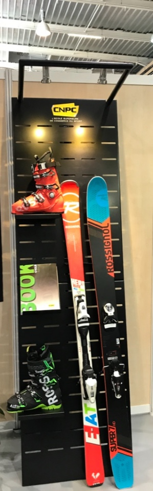 CNPC ski shoes documentation display 3