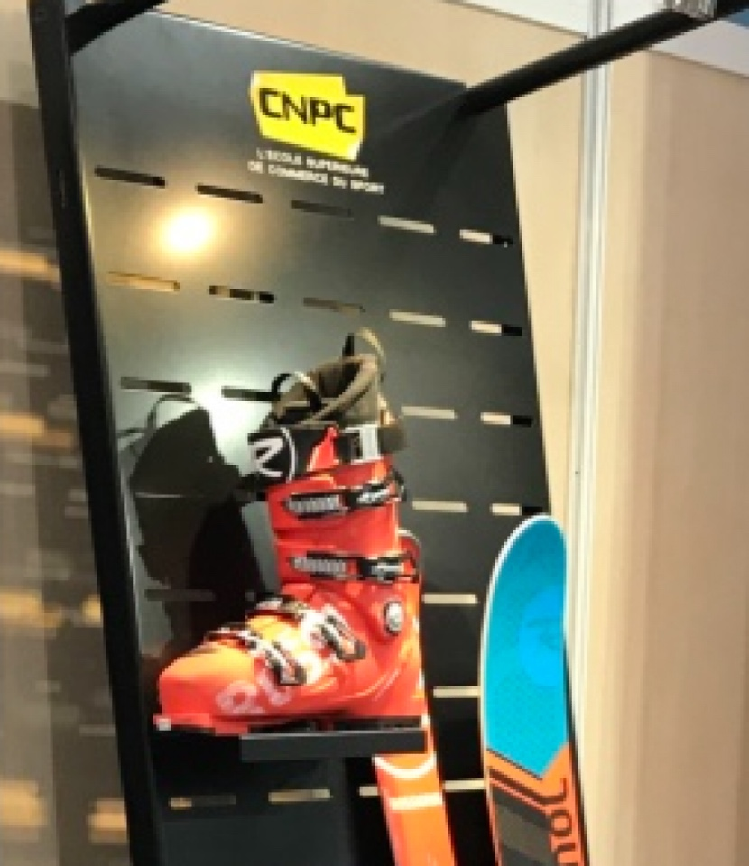 CNPC ski shoes documentation display 1